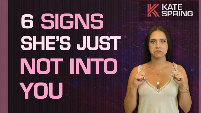 6 Signs She's Not Into You (Abort!)