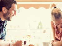 How to ask a girl out on a first date